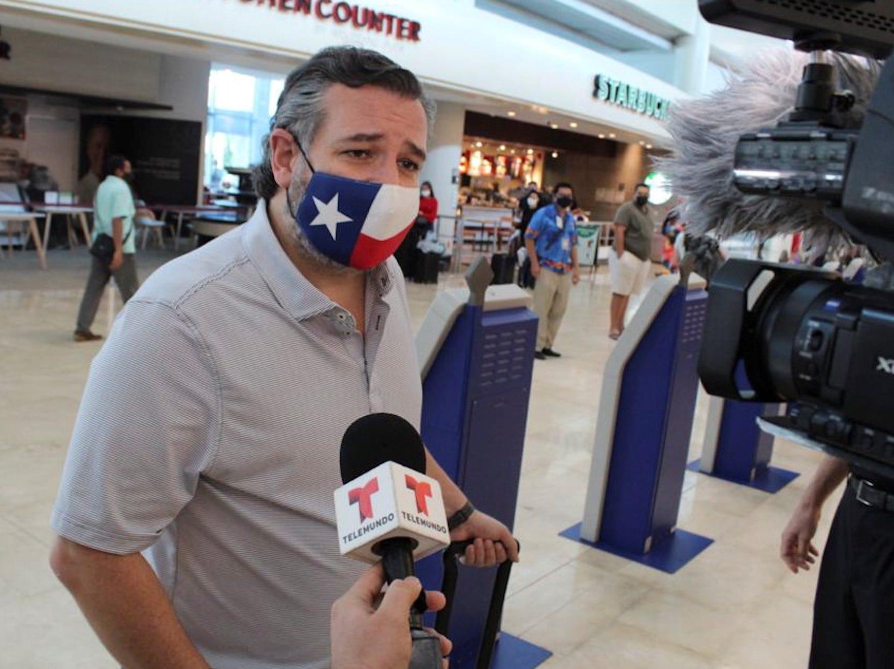 Ted Cruz cancun 3.JPG
