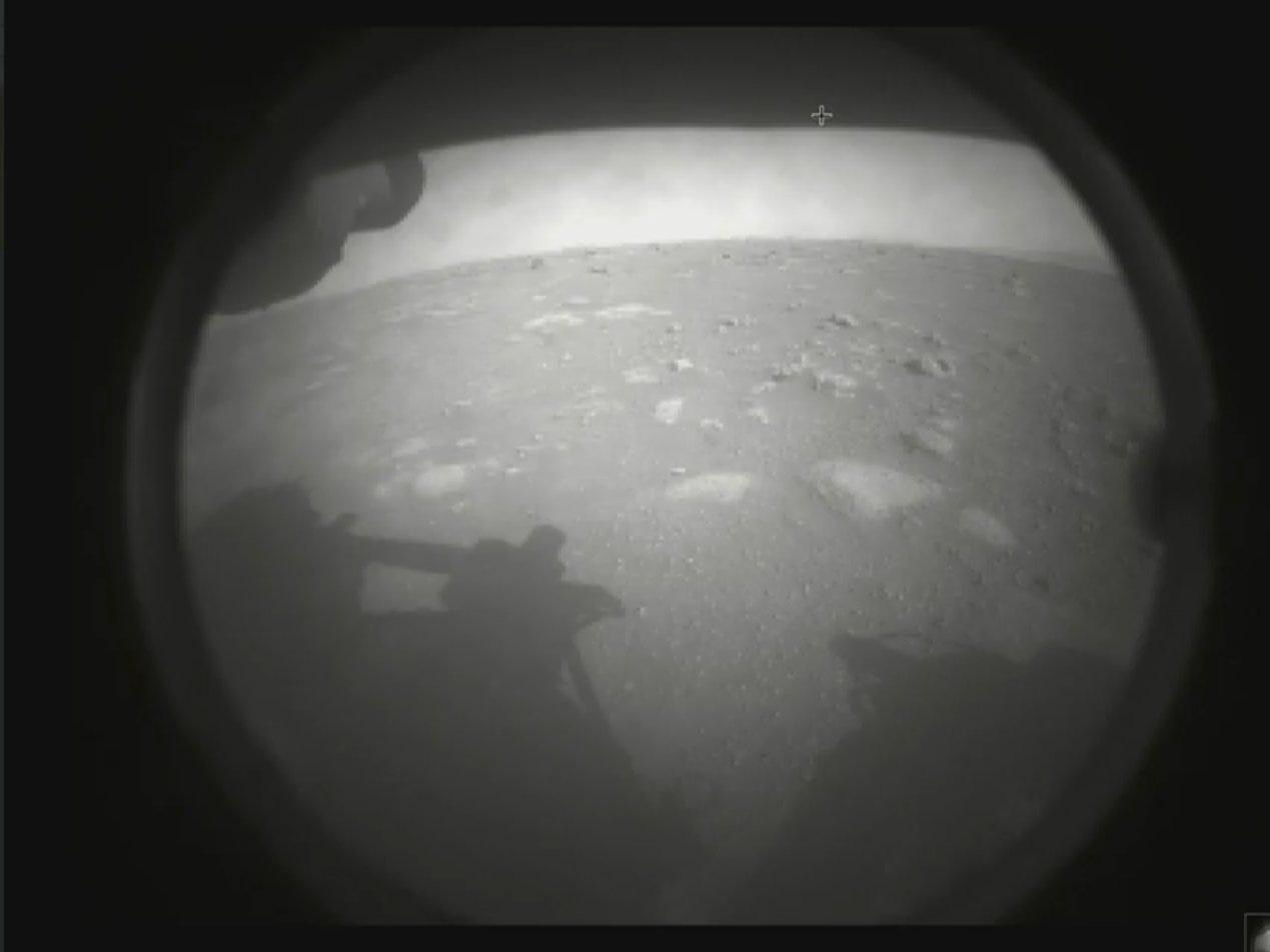 perseverance mars rover landing first photo image jezero crater