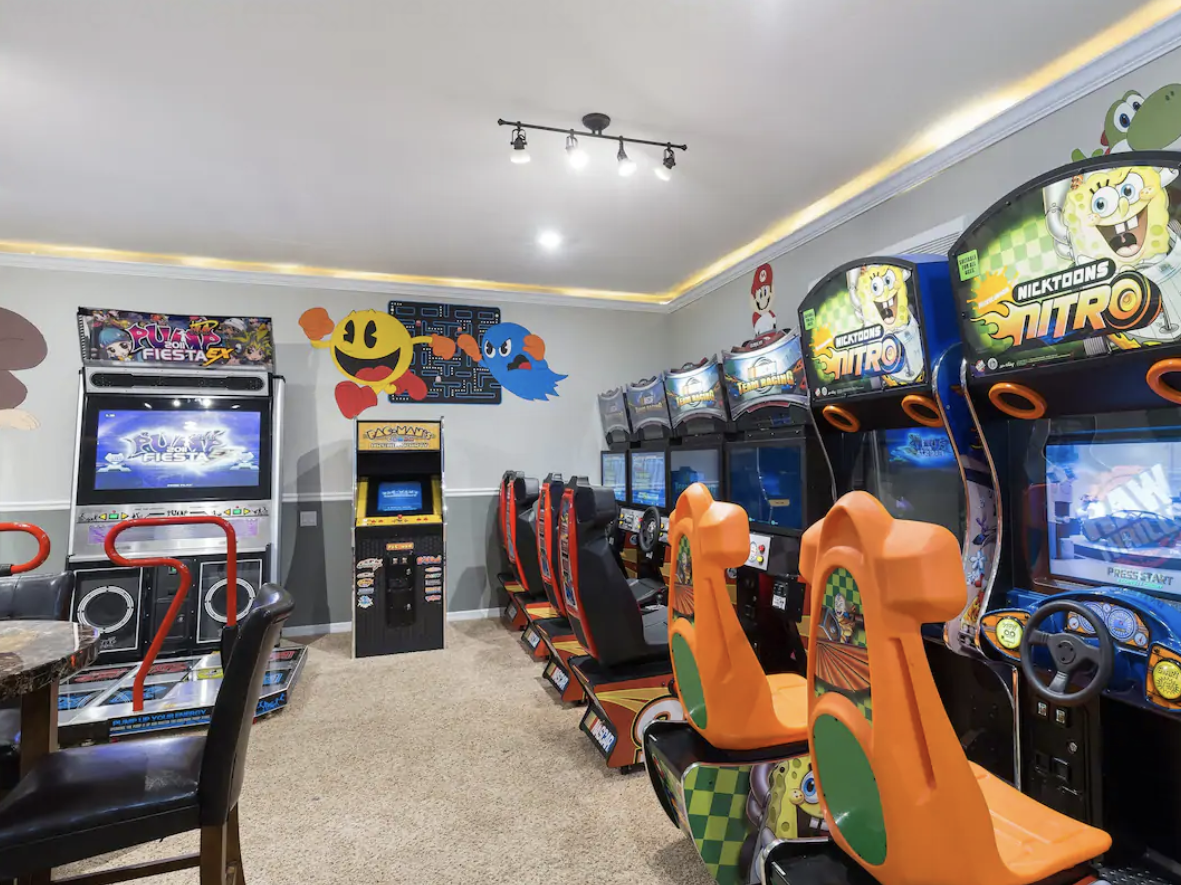 Luxurious House with video arcade, orlando airbnb