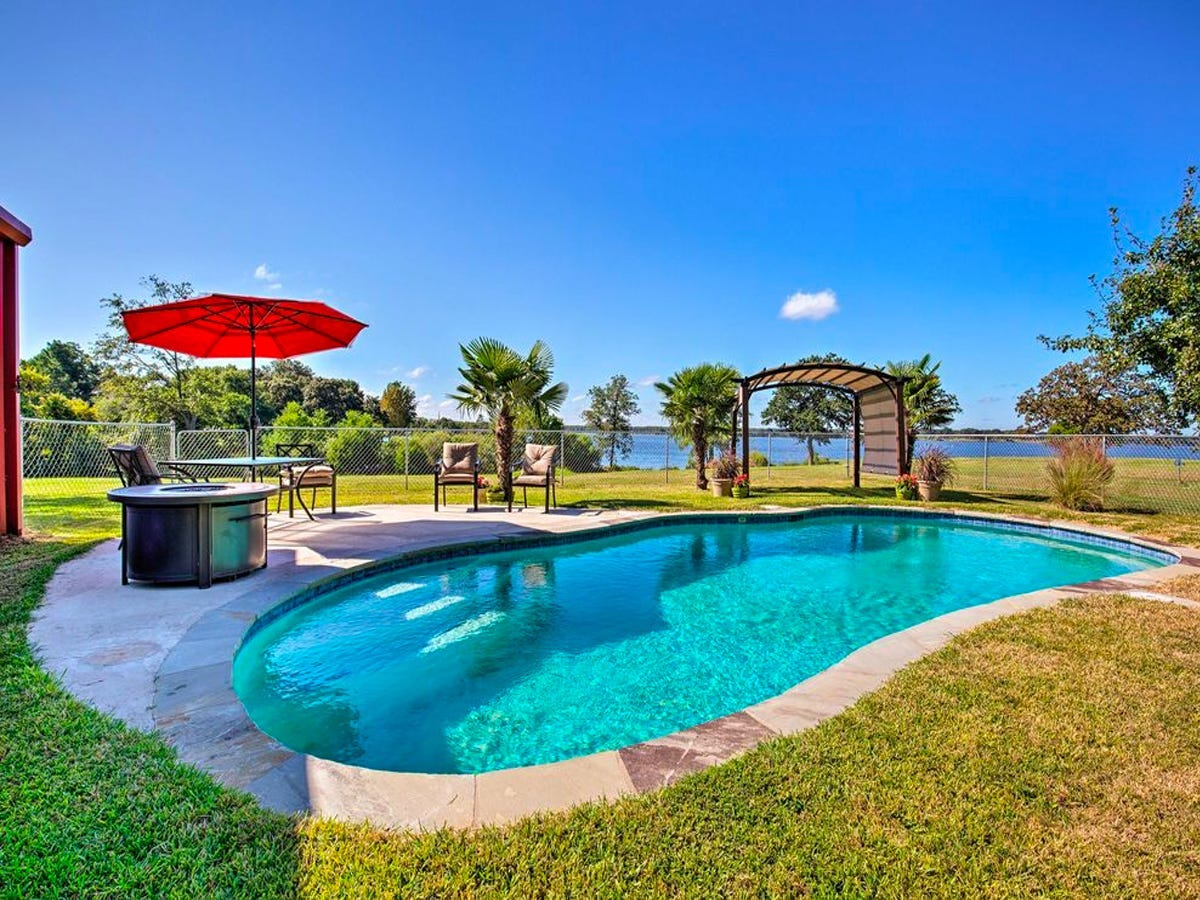 emory, texas vrbo with a pool
